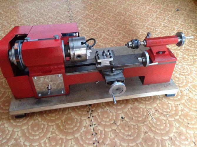 1Д601 универсальный настольный токарный станок