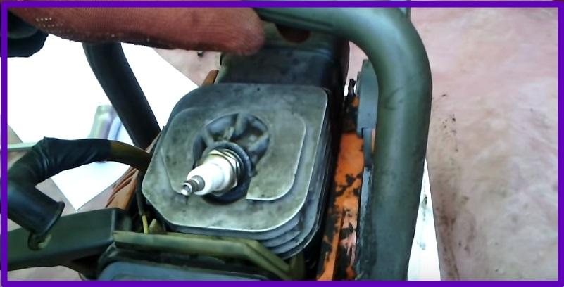 Как определить, почему глохнет бензопила и восстановить её работоспособность?