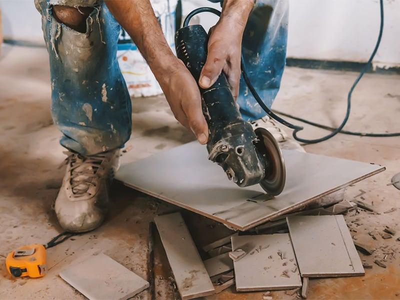 Как резать плитку болгаркой без сколов: выбор диска для резки и правила работы