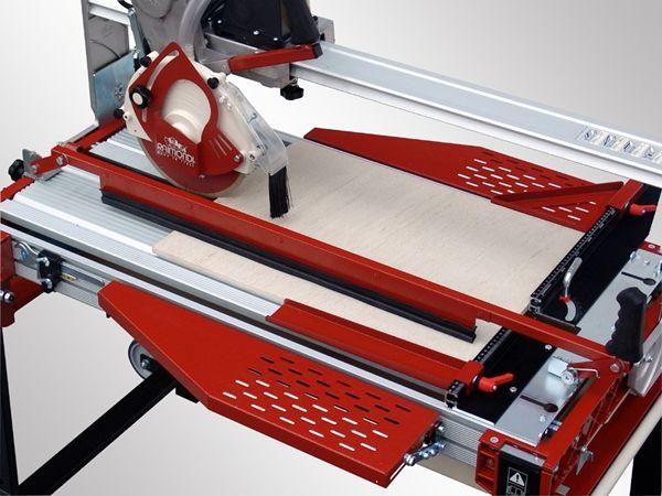 Ручной плиткорез (37 фото): как им работать? как выбрать хороший профессиональный плиткорез? модели по кафельной плитке 1200 мм и другие