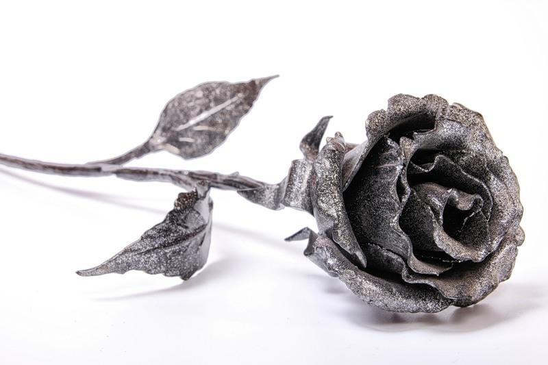 Кованая металлическая роза [пошаговая инструкция с фото]