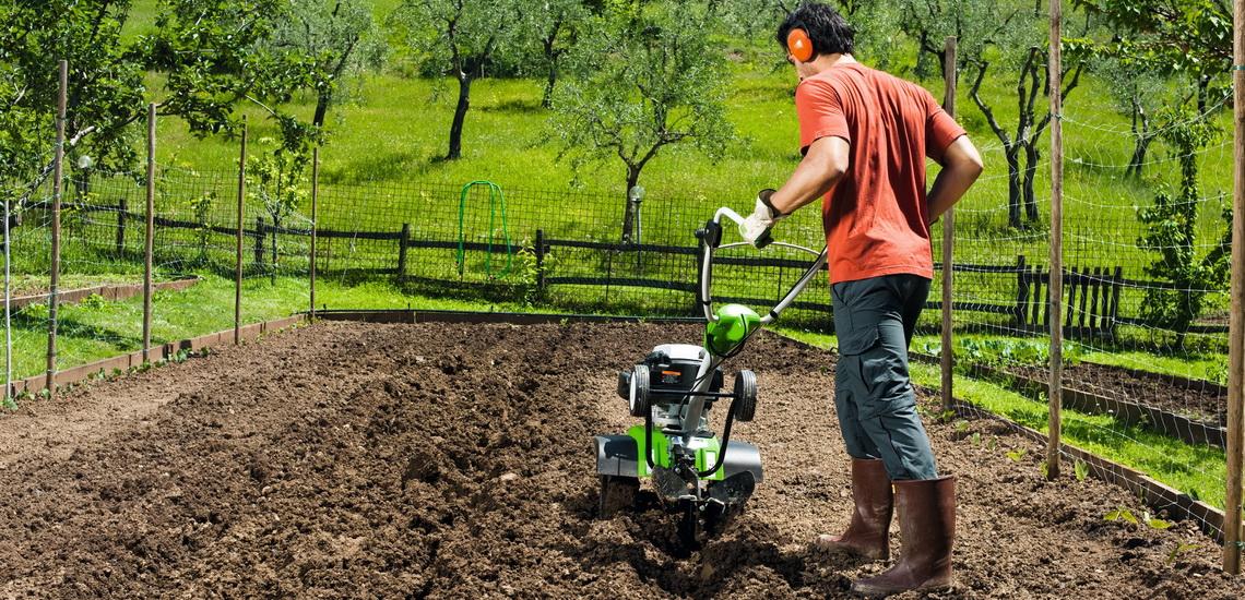 Как выбрать надежный мотоблок: обзор популярных и надежных моделей для огорода и дачи