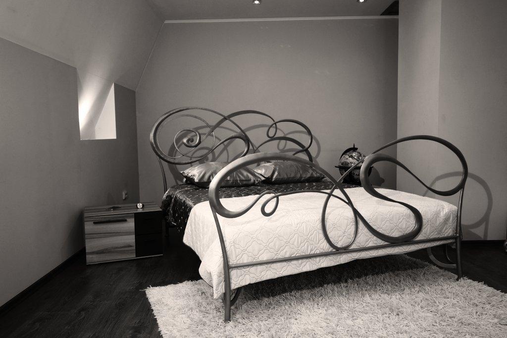 100 лучших идей дизайна: кованные кровати фото