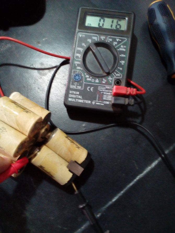 Как правильно заряжать аккумуляторный шуруповерт