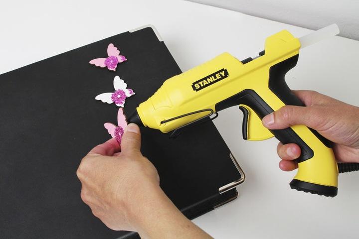 Как пользоваться клеевым пистолетом со стержнями, что можно клеить