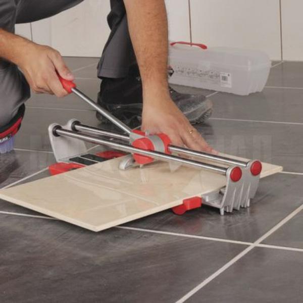 Как пользоваться плиткорезом ручным роликовым
