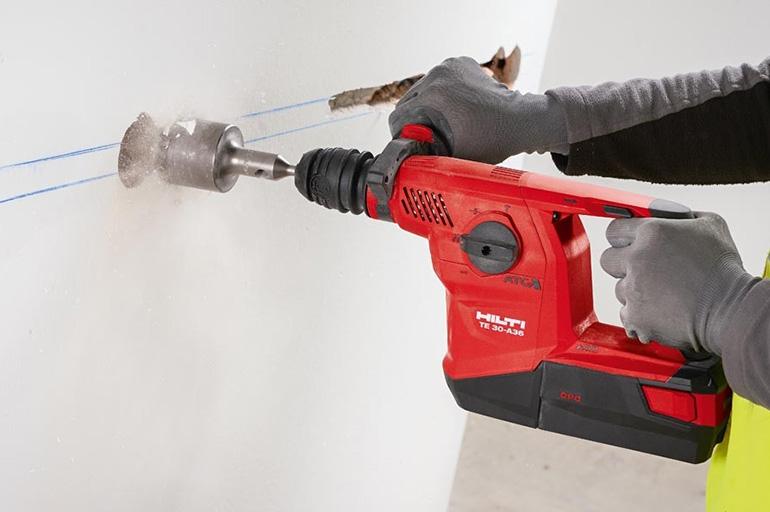 Как сверлить бетон дрелью?