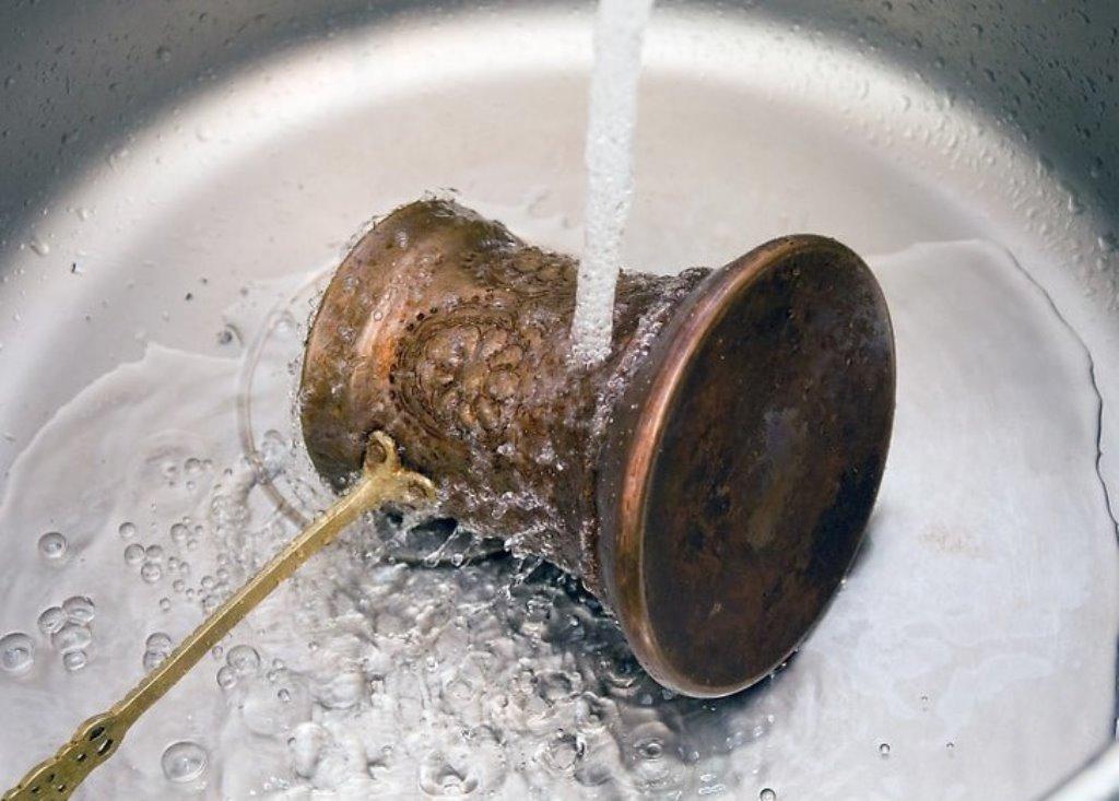 Как очистить латунь от окиси в домашних условиях, как убрать окислы с латунного самовара при помощи народных рецептов и средств бытовой химии?