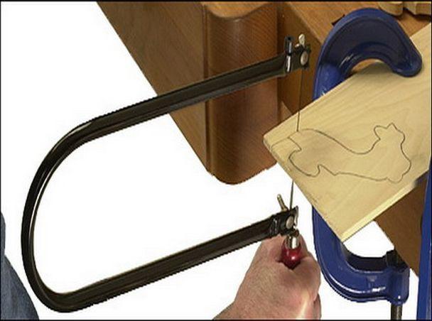 Ручной лобзик (26 фото): как он выглядит и как его собрать? устройство лобзика для выпиливания изделий из древесины. как правильно им пользоваться?