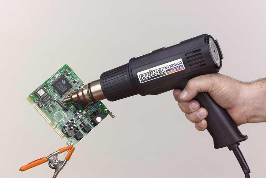 Как правильно работать паяльным феном, чтобы провозвести монтаж bga чипа или smd компонента