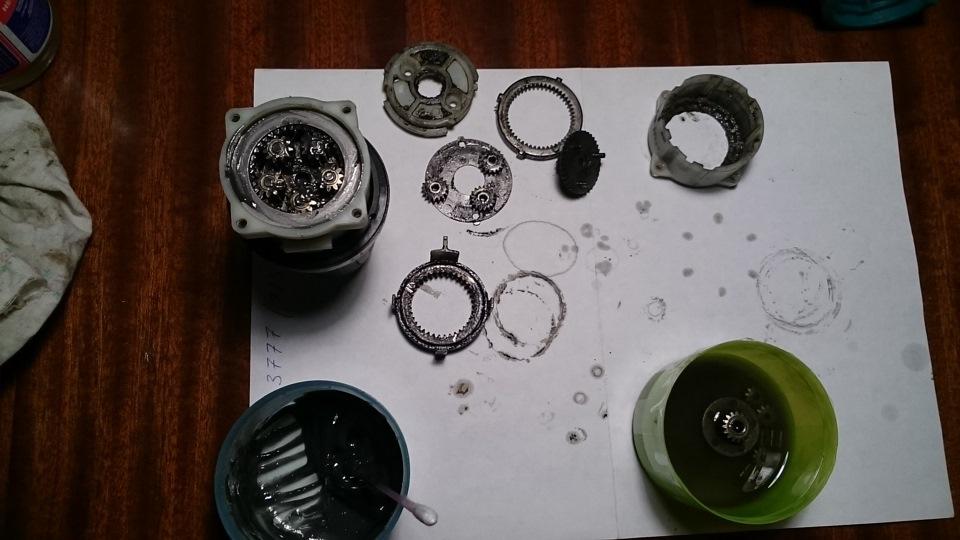Ремонт редукторов болгарок своими руками: макита, интерскол, бош и других брендов; сломался, сильно греется, шумит/гремит и прочие поломки, чем смазывать