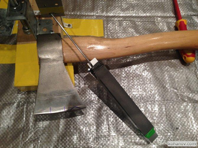 Как самостоятельно выполнить заточку топора вручную и электроточилом