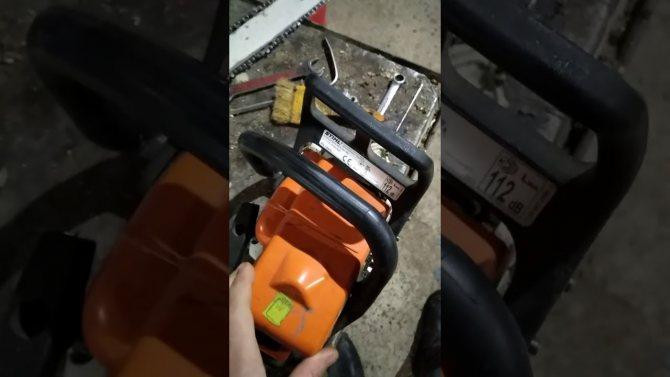 При нажатии на газ начинает глохнуть бензопила — причины и варианты решения проблемы – мои инструменты