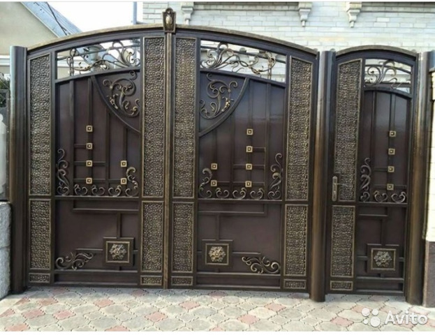 Дизайн калиток и ворот дома (50 фото): красивые и практичные варианты. красивый дизайн ворот и калиток для частного дома, фото варианты входных калиток