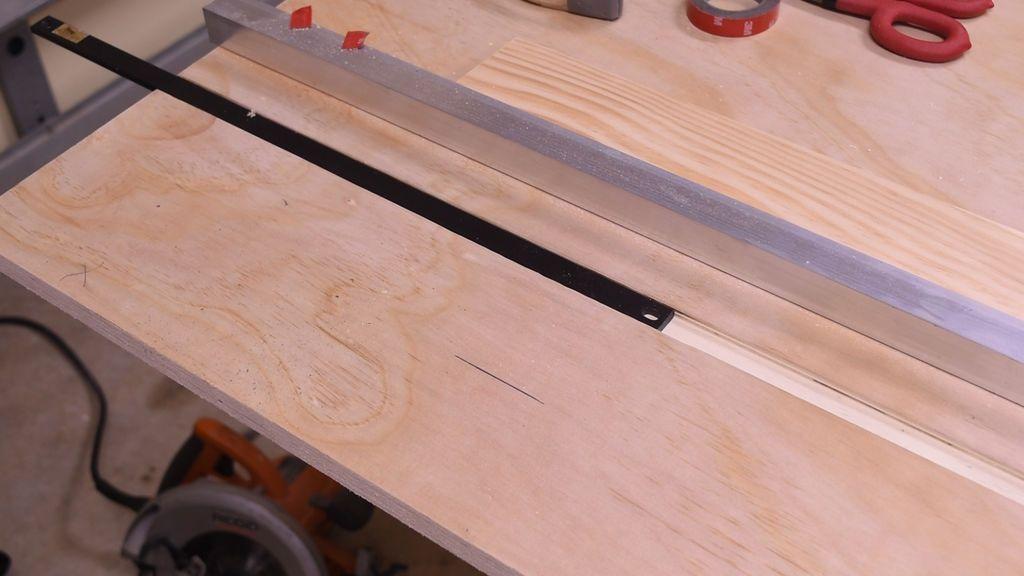 Направляющая рельсовая шина и каретка на подшипниках для циркулярной пилы своими руками: параллельный упор