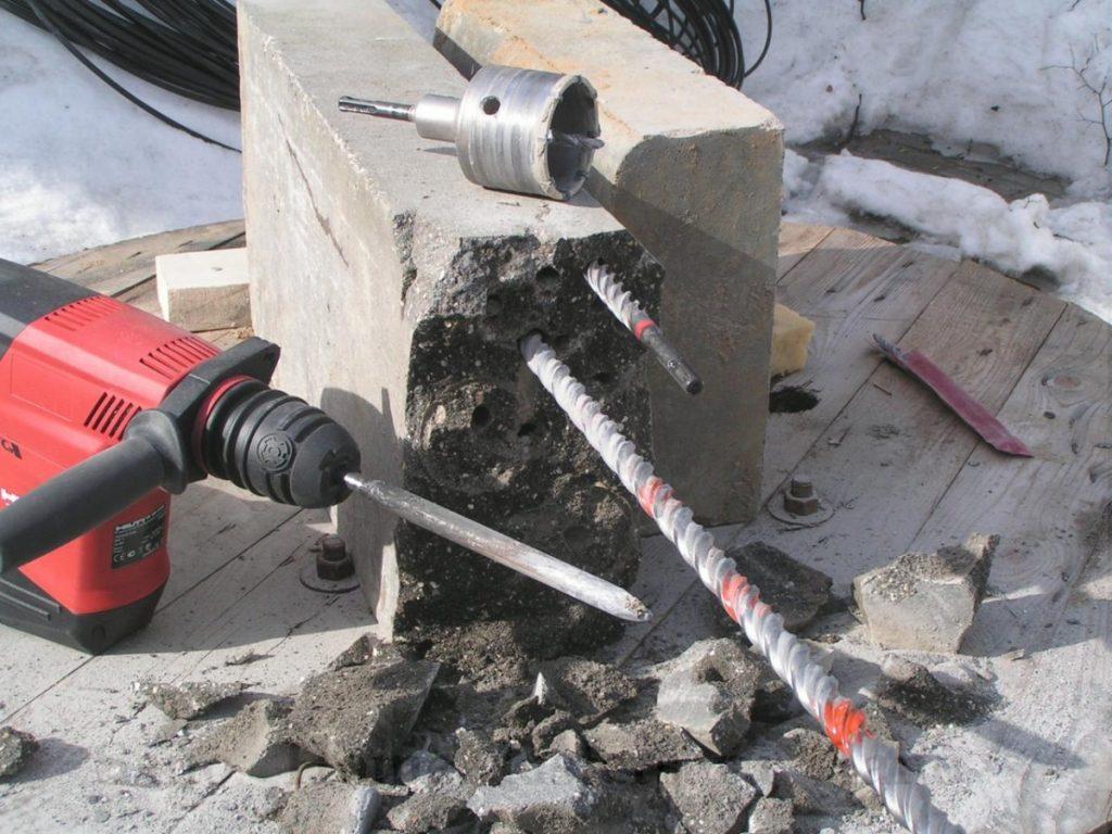 Как просверлить бетонную стену обычной дрелью: какой выбрать инструмент и насадку, практические советы
