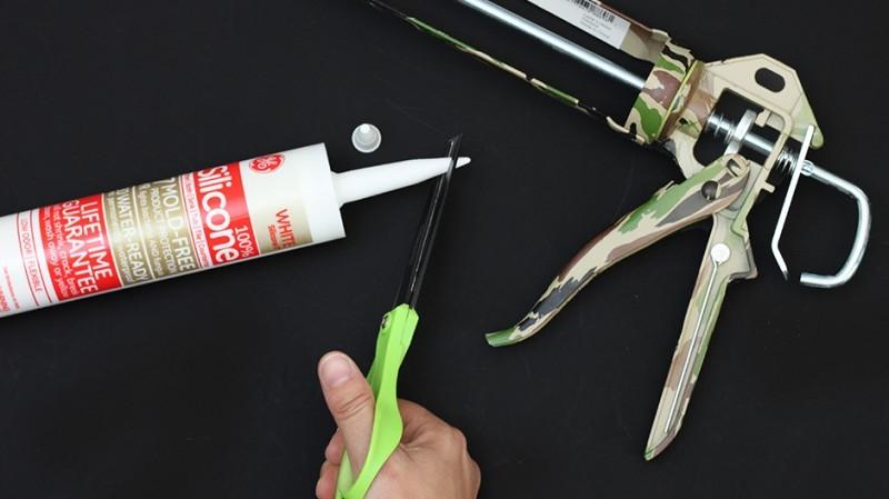Пистолет для герметика: как вставить герметик, как достать, как работает