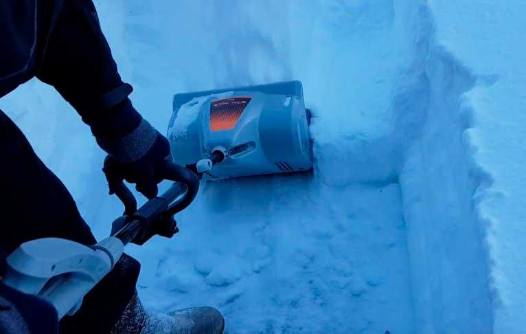 Чудо лопата со шнеком: снегоуборочное электрическое оборудование