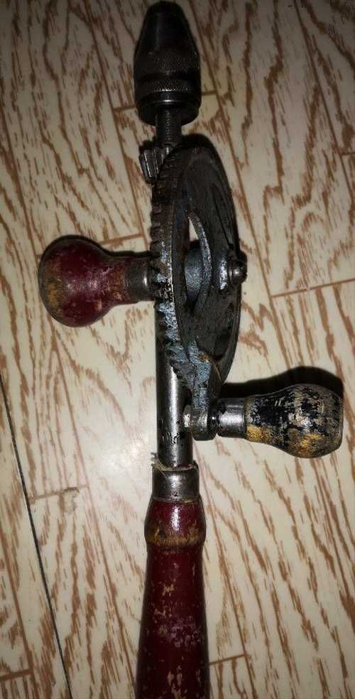 Ручная дрель механическая. привет из ссср