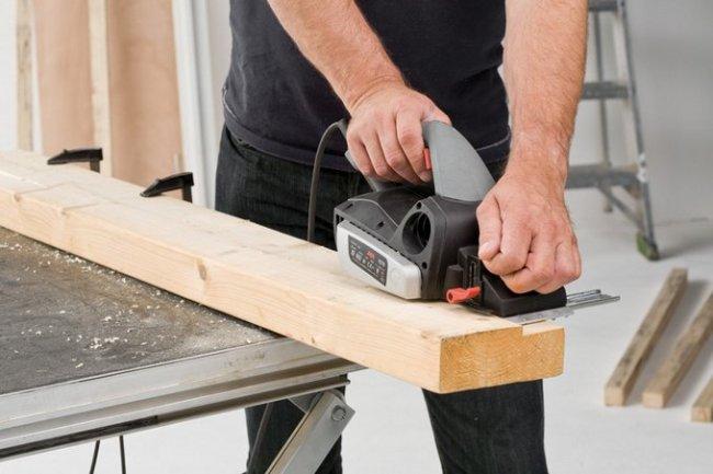Как правильно выбрать электрорубанок для дома: обзор основных критериев и лучших фирм-производителей