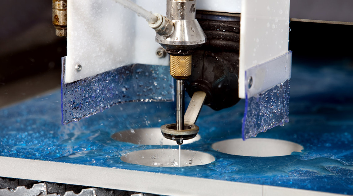 Принцип действия и устройство станков водно-абразивной резки