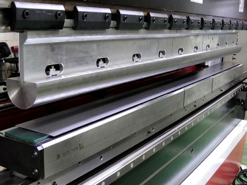 Как проводится гибка листового металла?