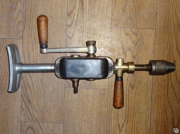 Дрель с ручным приводом др 2. ручная дрель механическая. привет из ссср. устройства с двухступенчатым редуктором