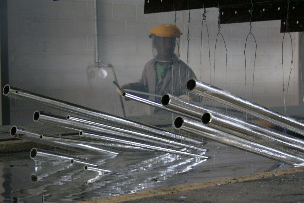 Особенности технологии горячего цинкования металлоконструкций