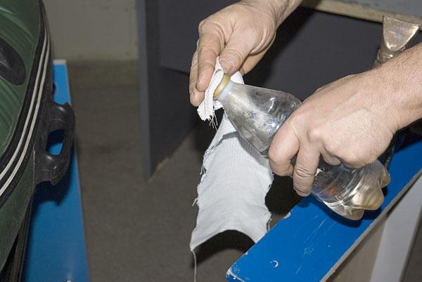 Чем и как обезжирить поверхность металла перед покраской — излагаем развернуто
