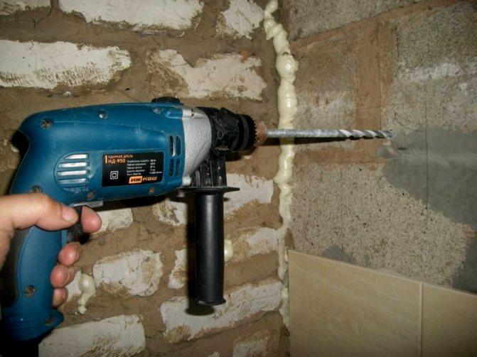 Советы специалистов: как просверлить бетонную стену обычной дрелью