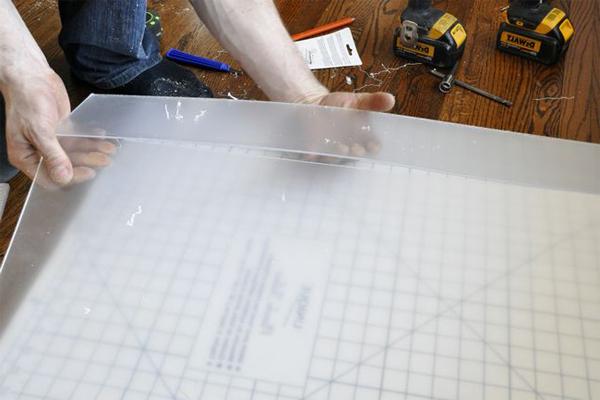 Как и чем резать оргстекло?