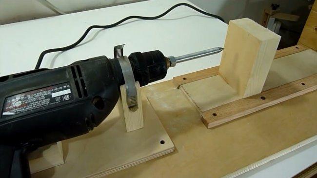 Разбираемся как сделать токарный станок из дрели своими руками