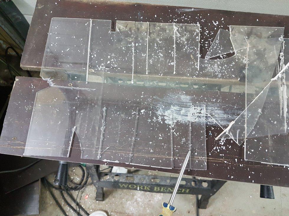 Чем разрезать оргстекло в домашних условиях. способы резки оргстекла