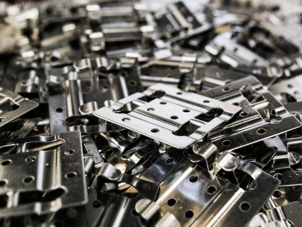 Штамповка деталей из листового металла - что это такое за метод металлического штампа, виды выштамповки и формы изделий