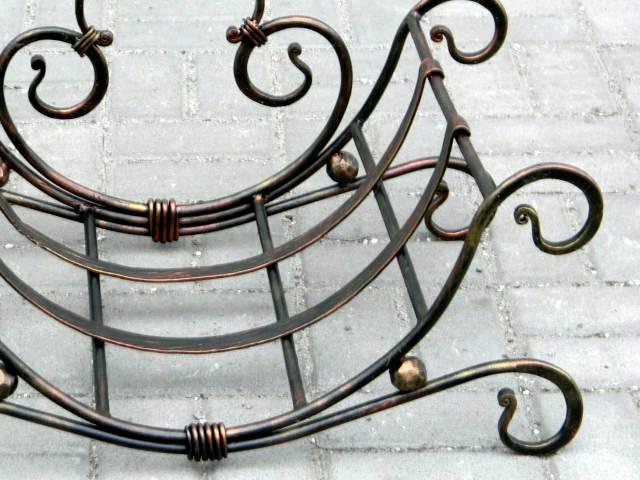 Холодная ковка изделия, фото конструкций, предметов и элементов: ворота, заборы, калитки, лавочки, лестницы, козырьки, ограждения, накладки, волюты; картинки