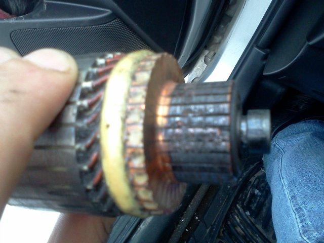 Почему сильно искрят щетки в электродвигателе пылесоса и что делать