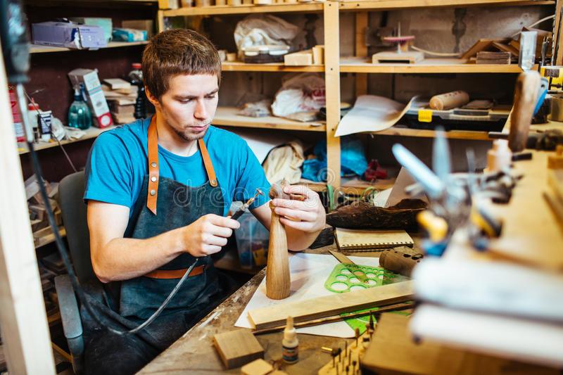 """Столяр-плотник - где учиться, зарплата, преимущества профессии – """"навигатор образования"""""""