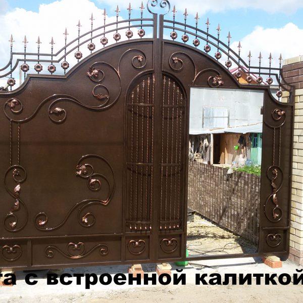 Кованые калитки (37 фото): универсальные конструкции с деревом или профлистом, ворота с элементами художественной ковки