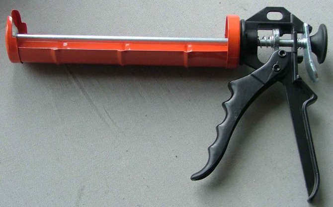 Пистолеты для силиконовых герметиков и жидких гвоздей
