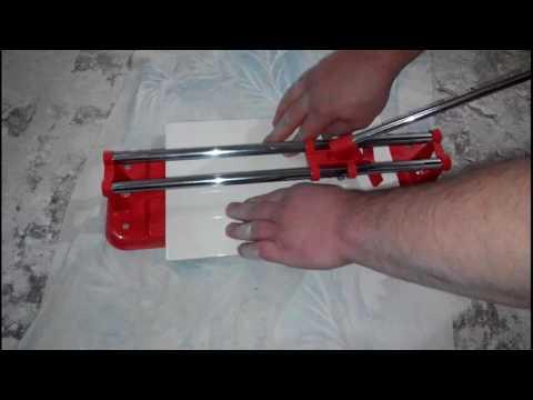 Как пользоваться ручным плиткорезом? знакомство с инструментом. как правильно резать плитку различными плиткорезами? - все о строительстве