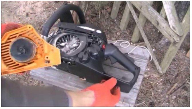 Как вставить пружину в стартер триммера