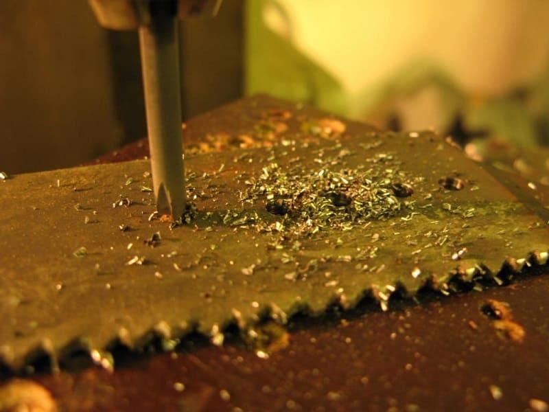 Как просверлить каленый металл в домашних условиях? - справочник по металлообработке и оборудованию