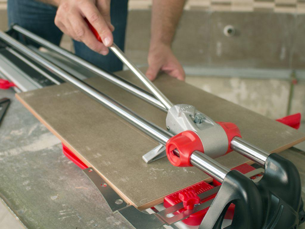 Электрический плиткорез — как выбрать лучший инструмент для работы