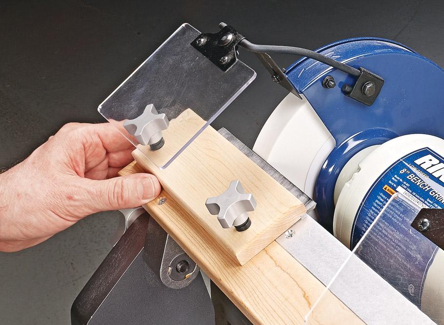 Приспособление для заточки ножей для рубанка