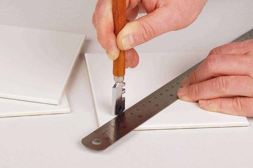 Как резать зеркало стеклорезом: как правильно отрезать в домашних условиях, с какой стороны