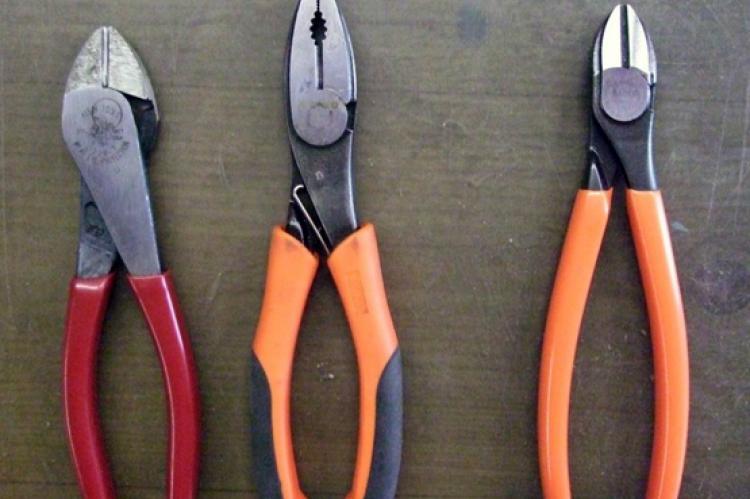 Чем отличаются пассатижи от плоскогубцев, разница инструментов