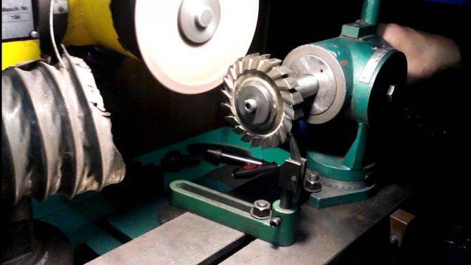 Заточка фрез по металлу или дереву: видео, как правильно заточить концевой, торцевой, дисковый, отрезной инструмент по дереву — видео