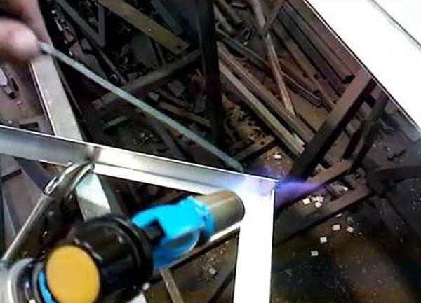 Пайка алюминия: как паять в домашних условиях паяльником? выбор карандаша и электродов. можно ли спаять латунь с алюминием?