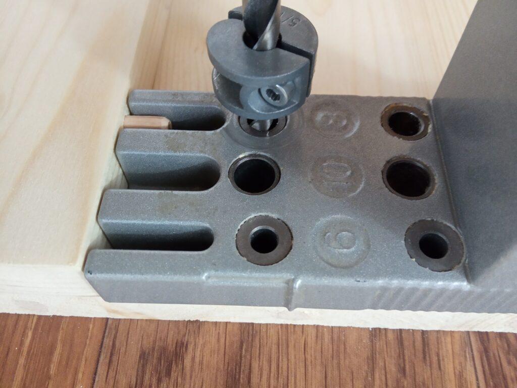 Как выбрать мебельный кондуктор и пользоваться им?
