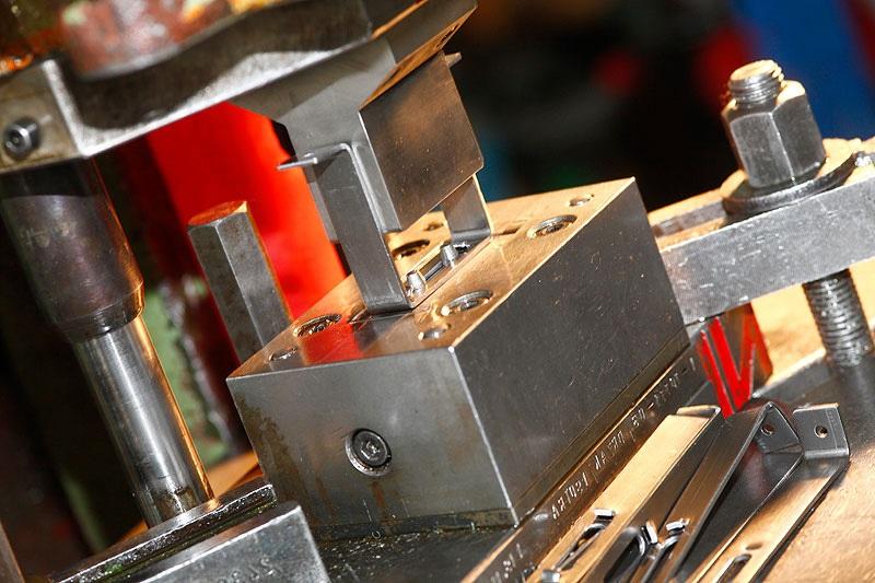 Станок холодной штамповки: устройство и принцип действия